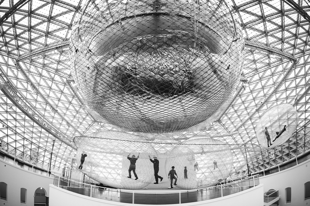 In Orbit von Tomás Saraceno