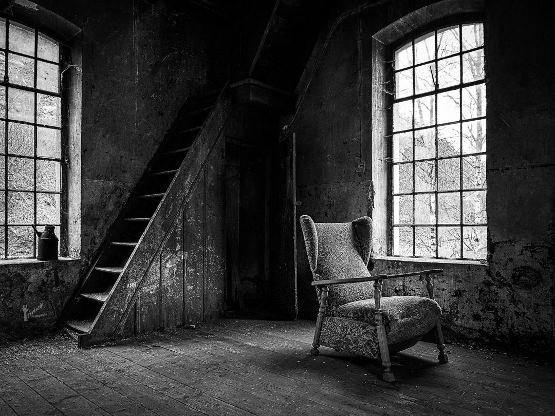 Schwarzweißfoto eines Lost Place
